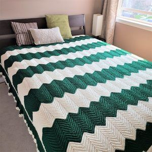 Hand made zig zag crochet bed spread/cover/throw.